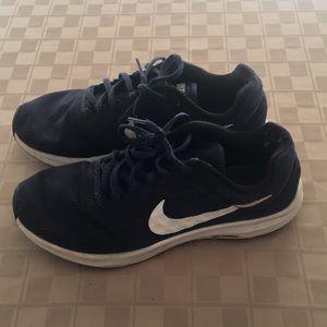 Nike men's Downshifter 7 size 8